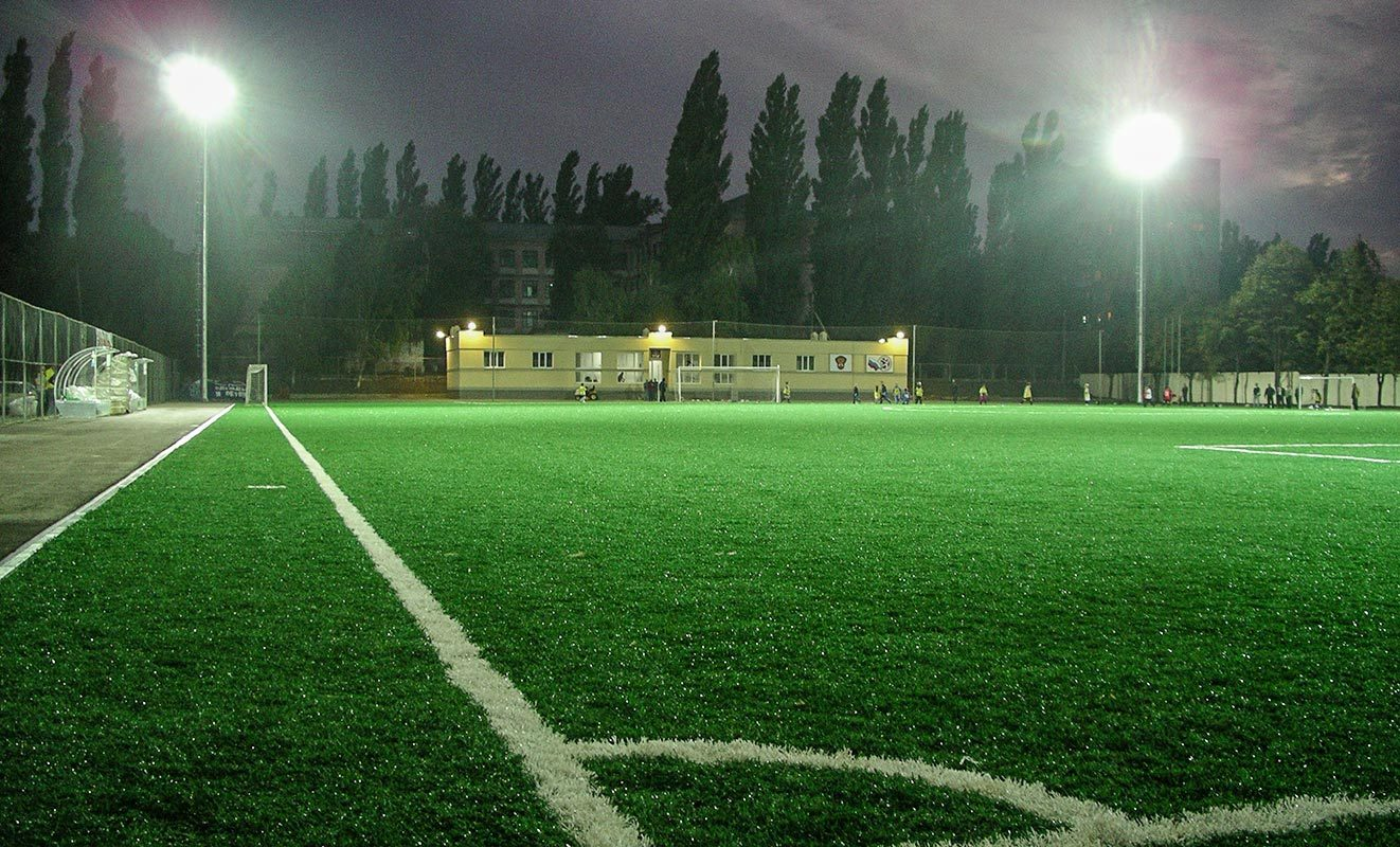 заядлый прожектор для стадиона фото образом, зелёный является